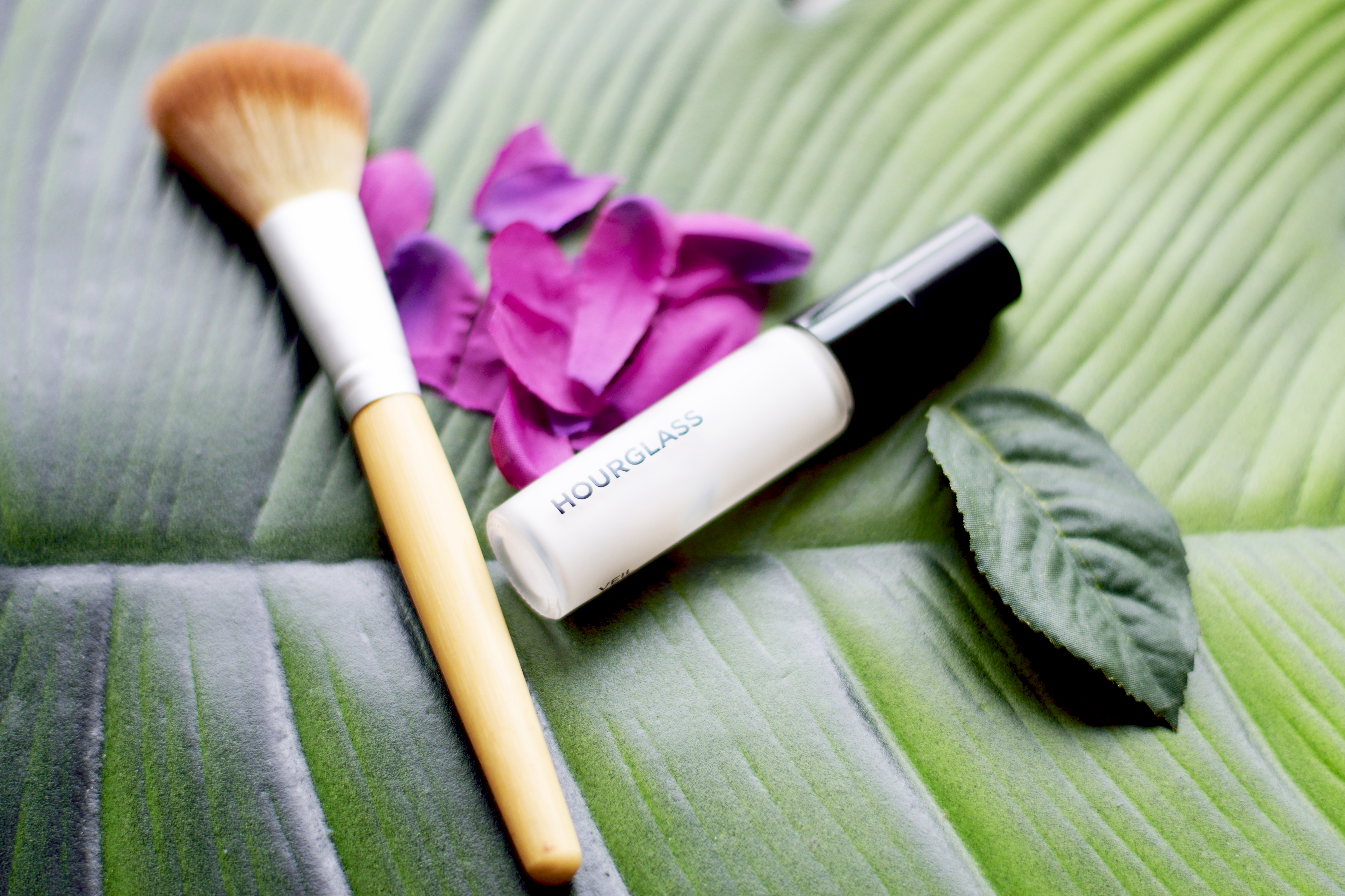 Hourglass Veil Mineral Face Primer - Canvas of your makeup