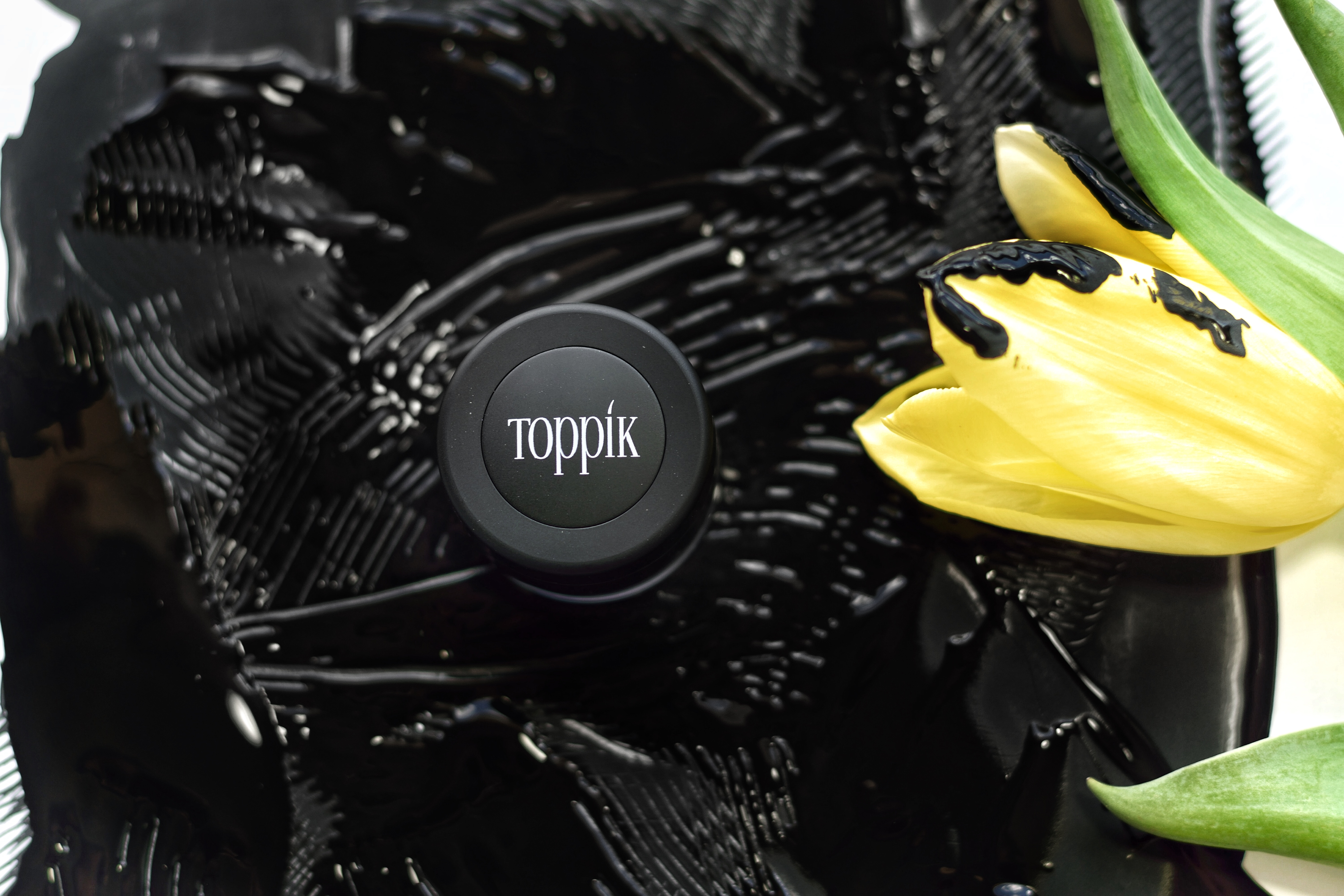 Toppik Canada Brow Building Fibers - Let your brows talk